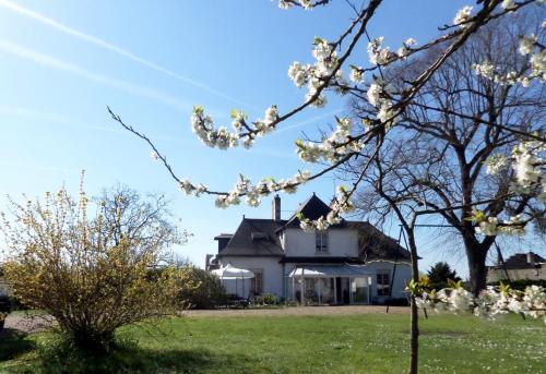 Chambres d'Hotes du Haut Anjou : Bed and Breakfast near Montreuil-sur-Maine