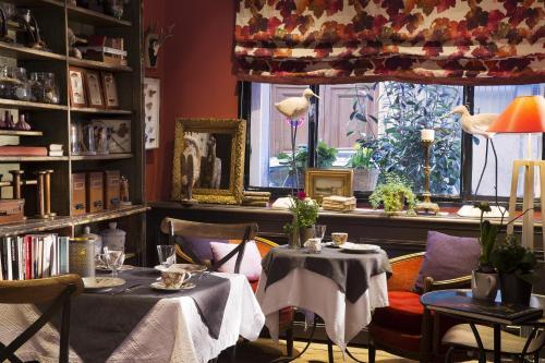 Hotel Le Petit Chomel : Hotel near Paris 7e Arrondissement