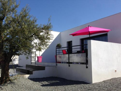 Maison Ocelia : Guest accommodation near Cers