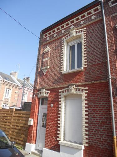 Gite Amiens : Guest accommodation near Démuin