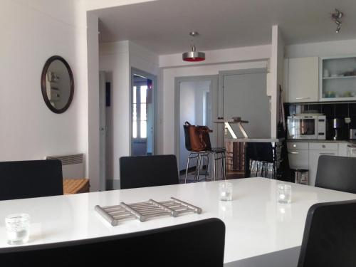 Appartement Le Temple Auxerre Centre Ville : Apartment near Parly