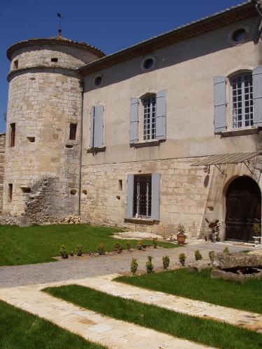 Chateau de la Bastide : Bed and Breakfast near Saint-André-d'Olérargues