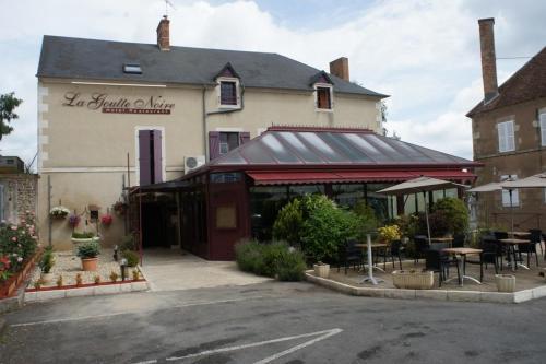 Hotel Restaurant La Goutte Noire : Hotel near Boussac