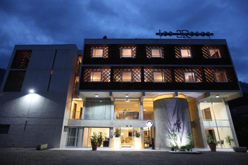 Hotel The Originals Grenoble Est Les Trois Roses (ex Inter-Hotel) : Hotel near La Tronche