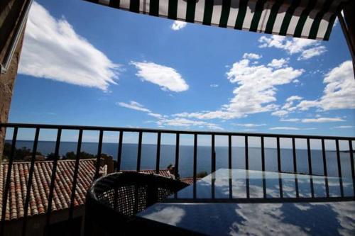 Outstanding Mediterranean Sea View : Apartment near Théoule-sur-Mer