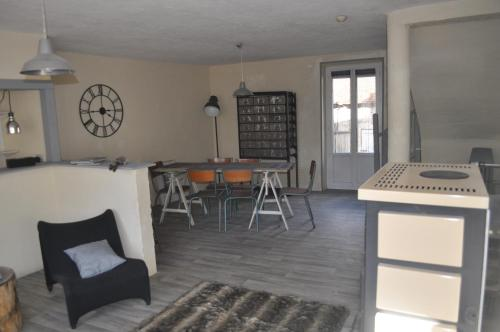 L´Atelier du Creusot : Guest accommodation near Saint-Sernin-du-Bois