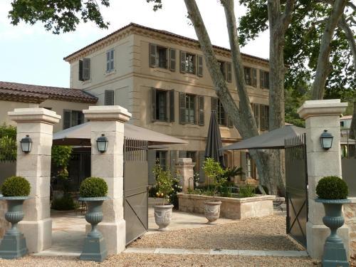 La Bastide de Boulbon : Hotel near Saint-Pierre-de-Mézoargues