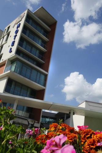 Hotel du Pasino : Hotel near Maing