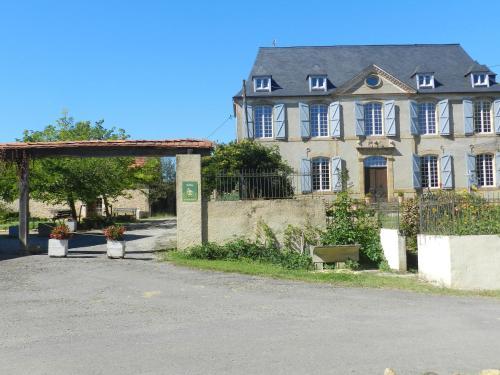 Château Sauvéméa : Guest accommodation near Moncaup
