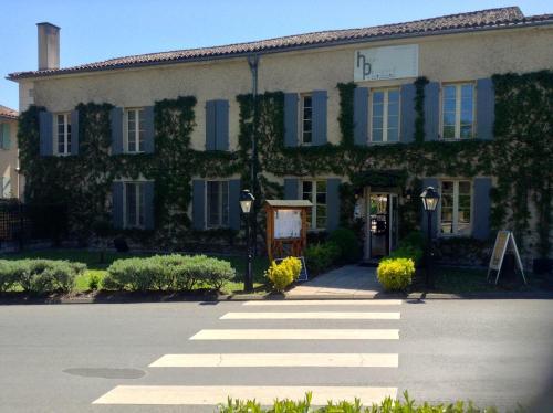 L'Hôtel du Périgord : Hotel near Saint-Romain
