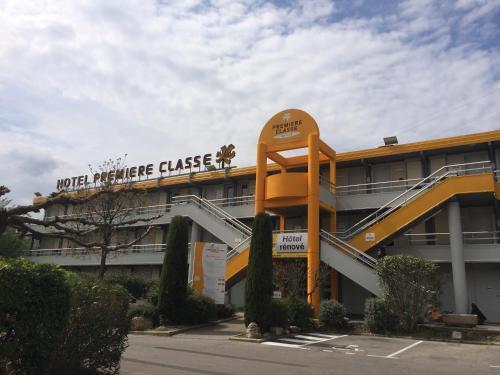 Premiere Classe Marseille La Valentine : Hotel near Allauch