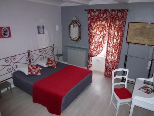 Hôtel le XVIIIème : Hotel near Mondragon