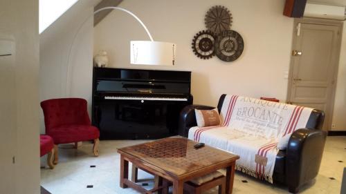 Appartement De La Vallée : Apartment near Saint-Martin-le-Beau