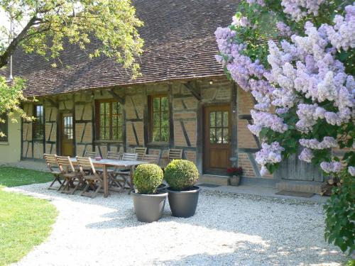 Chambres d'hôtes le Meflatot : Bed and Breakfast near Neublans-Abergement