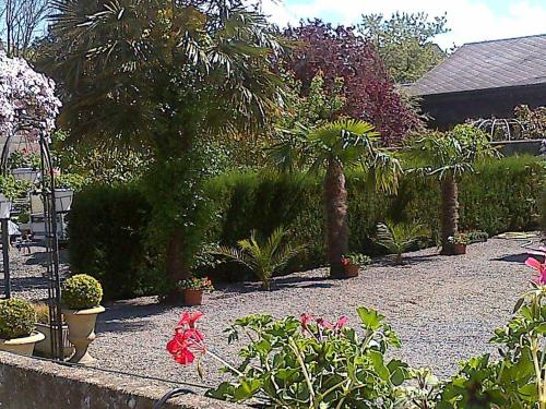 Les Clématites du Mont Saint Michel : Bed and Breakfast near Aucey-la-Plaine