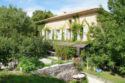 Moulin d'Antelon B&B : Bed and Breakfast near Saint-Pierre-de-Vassols