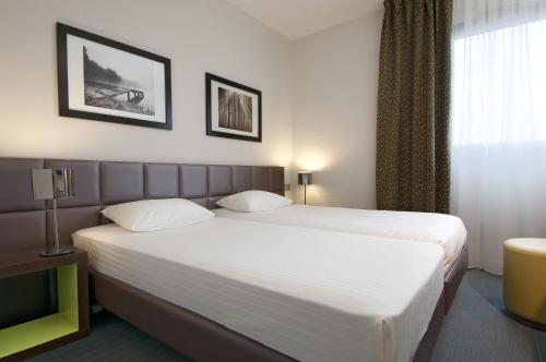 Kyriad Hôtel Orly Aéroport - Athis Mons : Hotel near Crosne