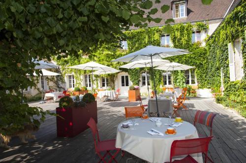 Logis Hostellerie des Clos : Hotel near Fleys