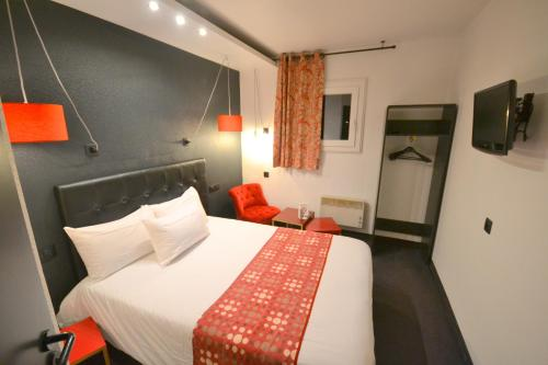 Best Hotel - Montsoult La Croix Verte : Hotel near Le Mesnil-Aubry