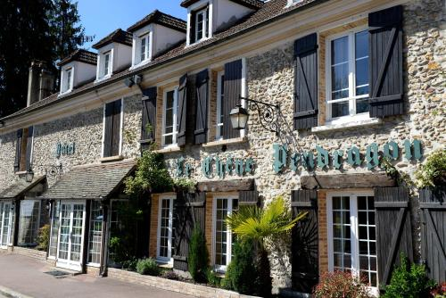 Le Chene Pendragon : Hotel near La Queue-les-Yvelines