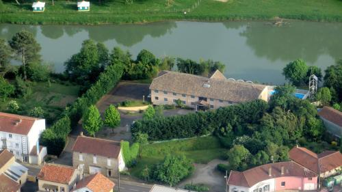 N'Atura Hôtel : Hotel near Eugénie-les-Bains