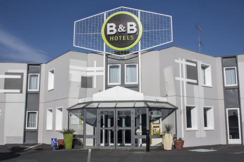 B&B Hôtel Montluçon : Hotel near Saint-Désiré