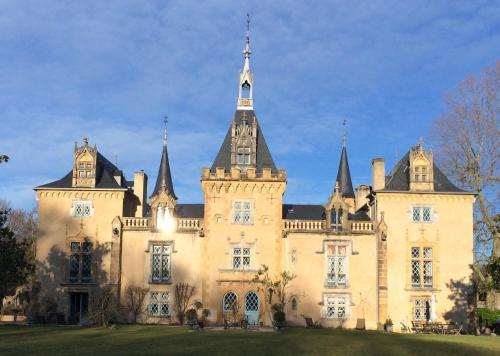 Chateau du Haget : Guest accommodation near Caubous