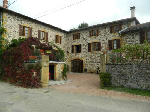 Lestrada : Guest accommodation near Frontenas