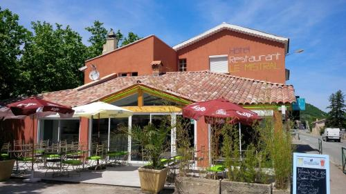 Hôtel Restaurant le Mistral : Hotel near Sourribes