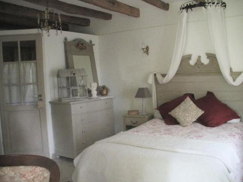 Ferme Saint Joseph : Bed and Breakfast near Lafitte-Vigordane