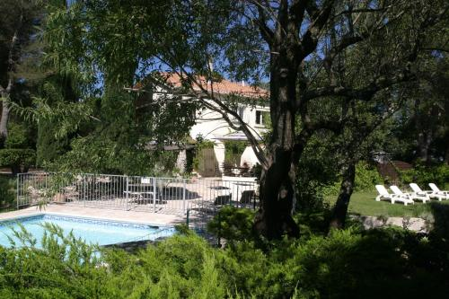 Le Laou : Bed and Breakfast near Mimet