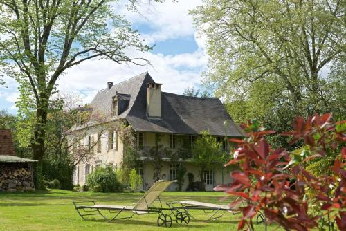 Domaine Lespoune : Bed and Breakfast near Rivehaute