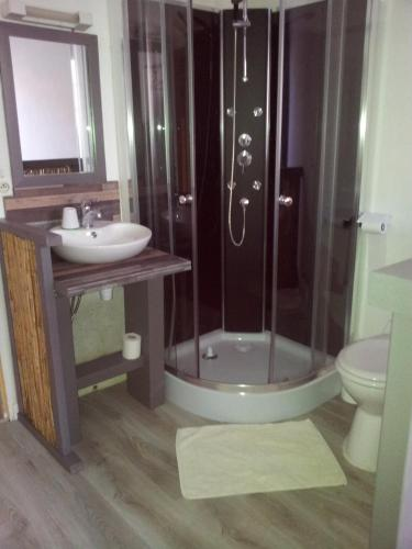 Auberge Bella Riva : Hotel near Baneuil