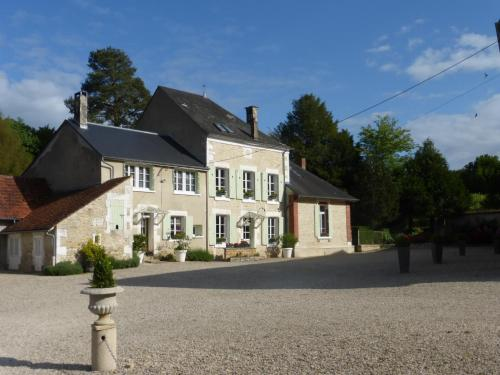 Domaine du Bouloy : Bed and Breakfast near Sougères-en-Puisaye