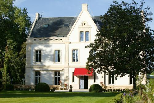 Le Manoir de Bellerive : Hotel near Urval