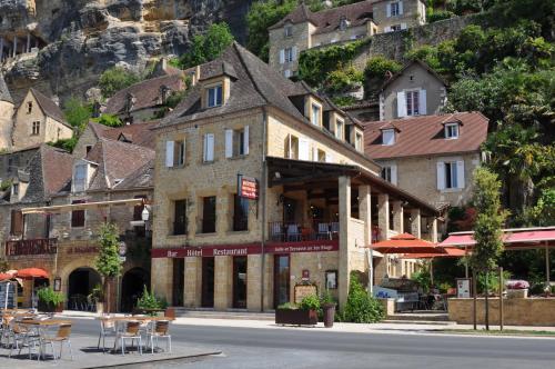 Auberge des Platanes : Hotel near Cénac-et-Saint-Julien