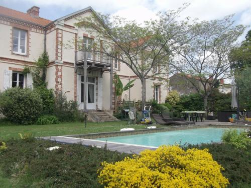 A la Villa d'Herbauges : Bed and Breakfast near Saint-Mars-de-Coutais