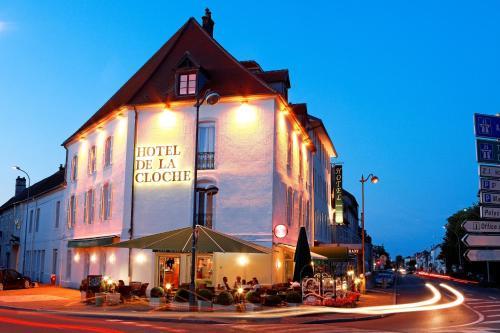 Hôtel de La Cloche : Hotel near Tichey