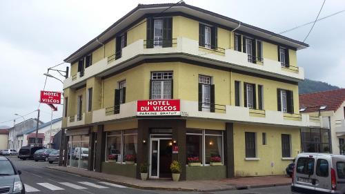 Hôtel du Viscos : Hotel near Averan