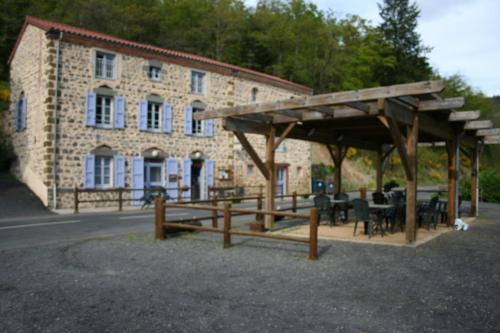 Auberge Saint Vincent : Guest accommodation near Chomelix