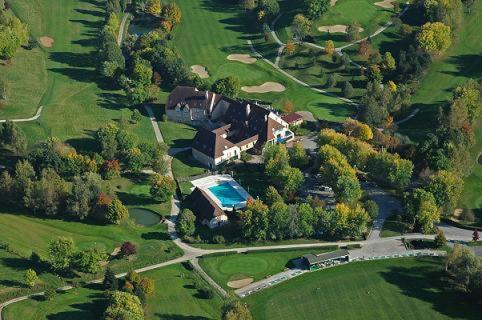 Golf Hotel Resort Du Val De Sorne : Hotel near Courbouzon