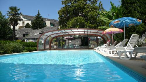 Hôtel du Lion d'Or : Hotel near Sénezergues