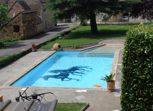 Auberge du Relais d'Auniac : Hotel near Reilhaguet