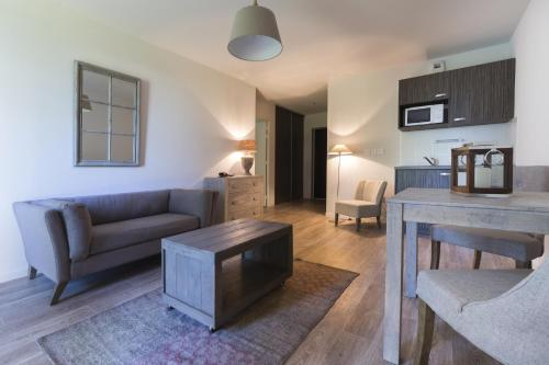Zenao Appart'Hotel : Guest accommodation near Saint-Jean-aux-Amognes