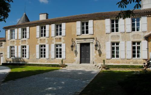 Hotel The Originals Le Logis du Péré (ex Relais du Silence) : Hotel near Voissay