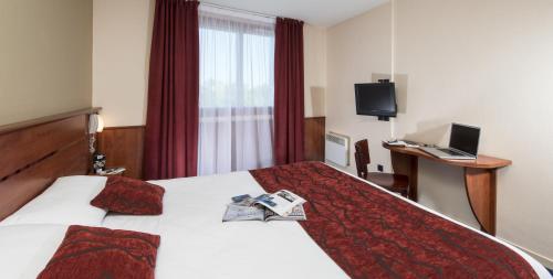 Brit Hotel Nantes La Beaujoire - L'Amandine : Hotel near Sainte-Luce-sur-Loire