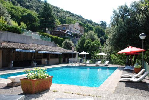 Hôtel Les 3 Barbus : Hotel near Corbès