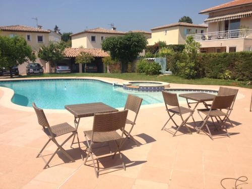 Villa Cezanne : Guest accommodation near Cagnes-sur-Mer