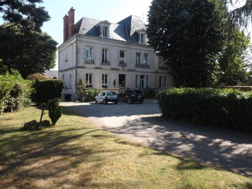Hotel Du Parc : Hotel near Neuilly-en-Dun