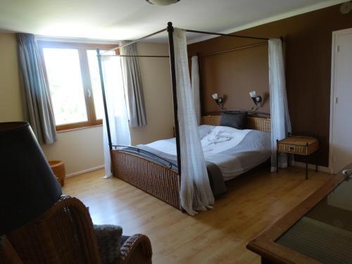 L'Enclos B&B : Bed and Breakfast near Treschenu-Creyers